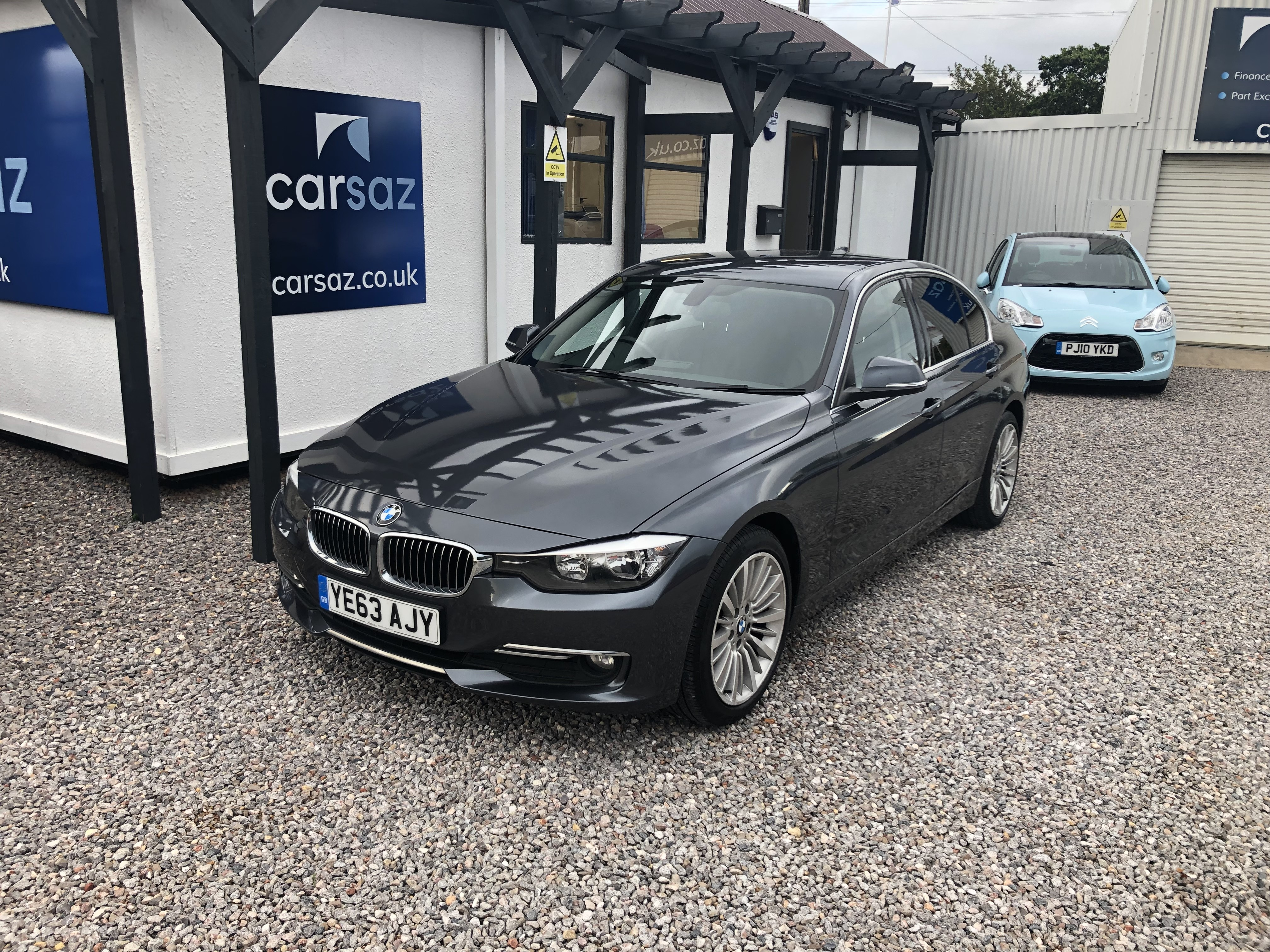 BMW 3 Series 320d Luxury 4dr Exterior 1