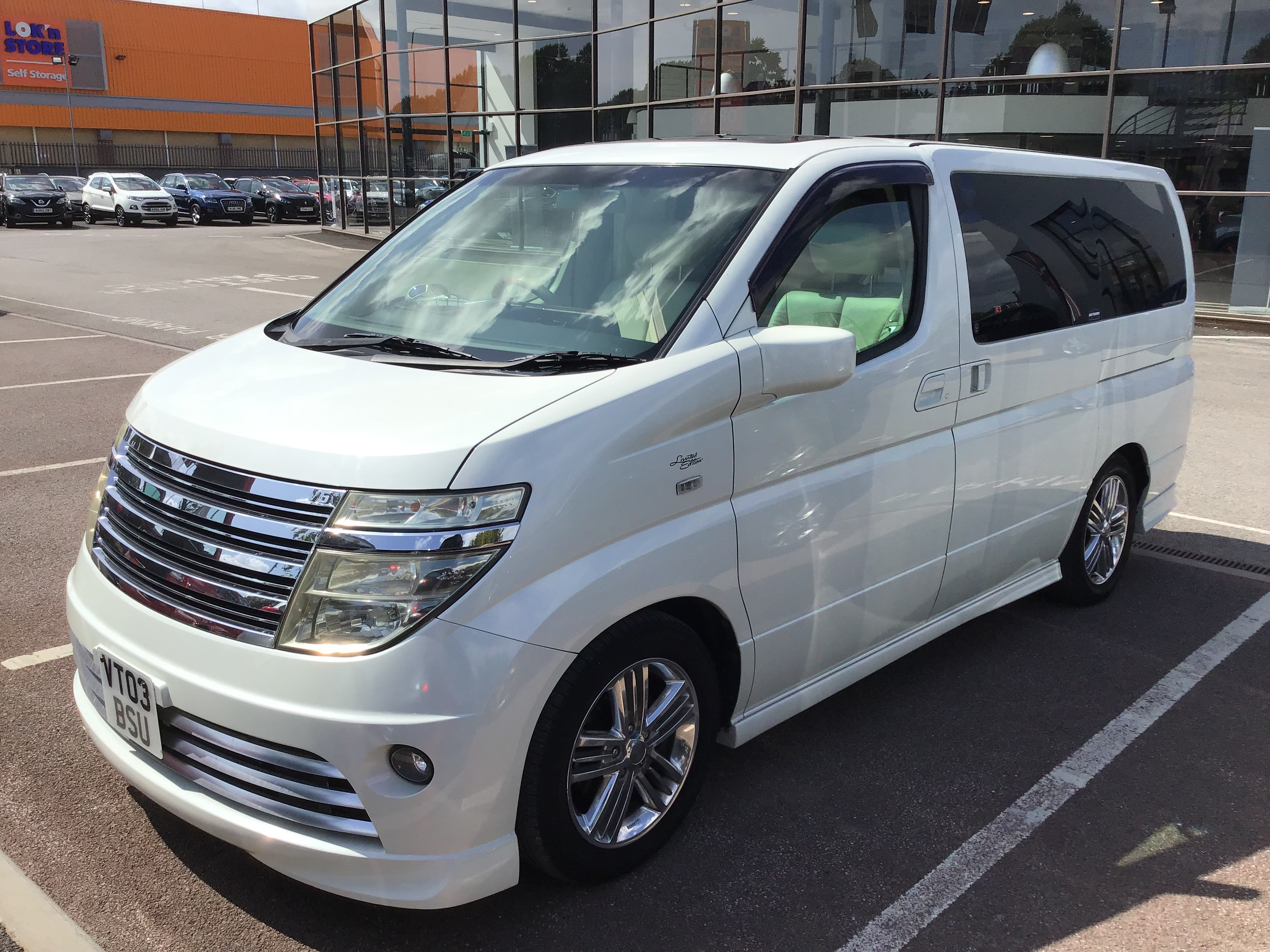Used Nissan         EL GRAND RIDER V6 AUTO