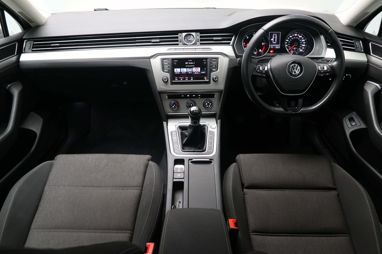 Volkswagen Passat 1.6 TDI SE 5dr Interior 1