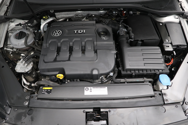 Volkswagen Passat 1.6 TDI SE 5dr Interior 3