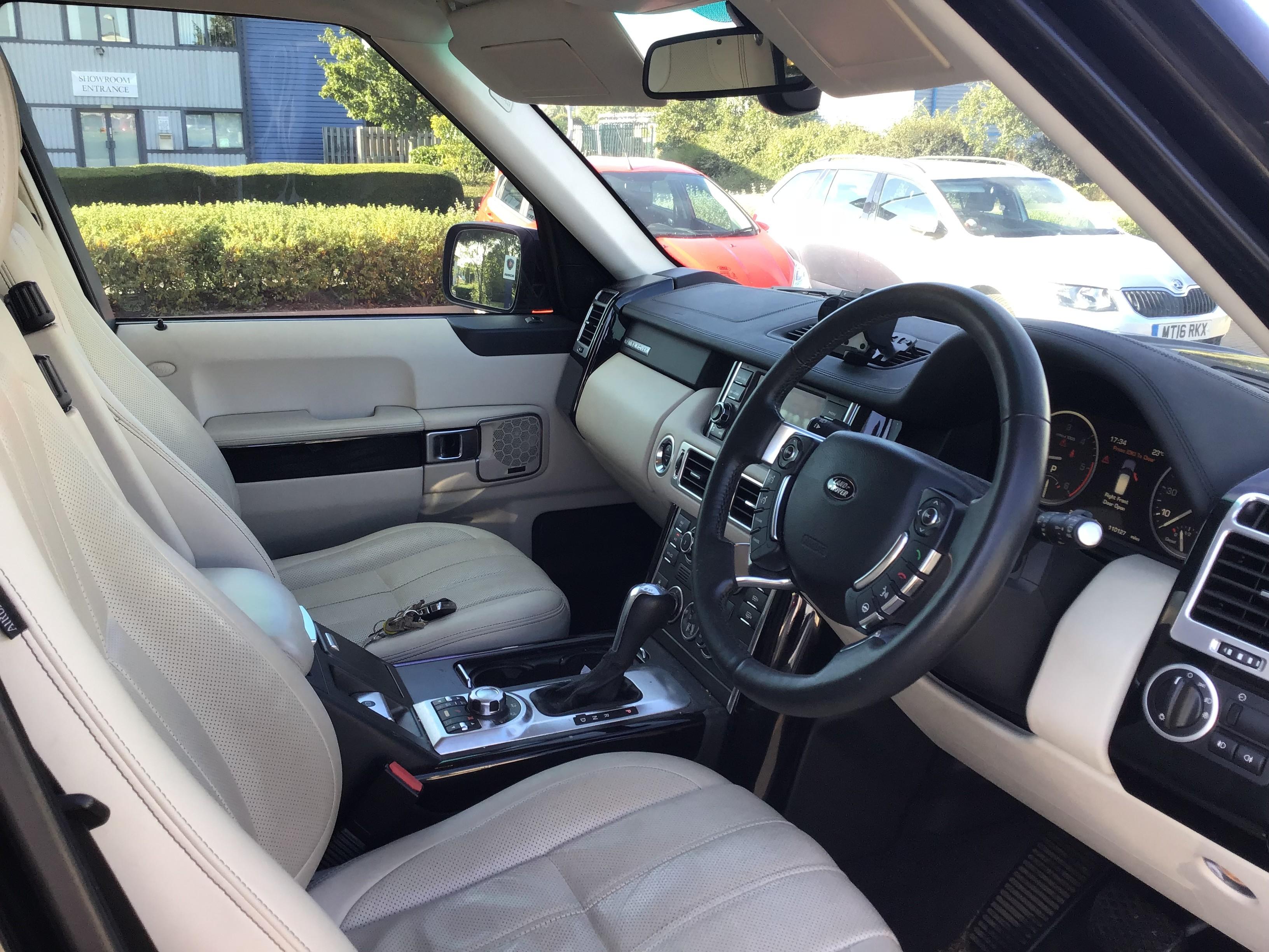 Range Rover 3.6 TDV8 Vogue SE 4dr Auto Interior 1